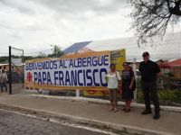 "Besuch im Lager ""Papa Francisco"""
